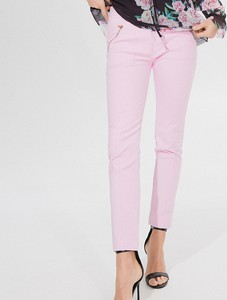 Różowe spodnie Mohito