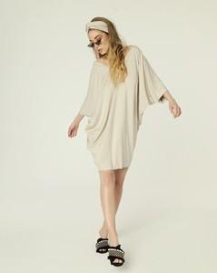 Sukienka Madnezz oversize w stylu etno z długim rękawem