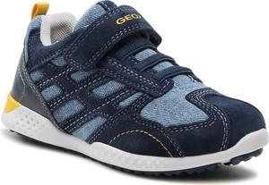 Granatowe buty sportowe dziecięce Geox dla chłopców z zamszu