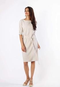 Sukienka Nommo w stylu casual midi z okrągłym dekoltem