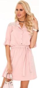Różowa sukienka MERRIBEL mini koszulowa z tkaniny