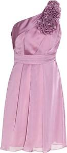 Różowa sukienka Fokus z asymetrycznym dekoltem bez rękawów maxi