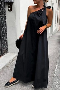 Czarna sukienka IVET