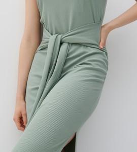 Zielona sukienka Reserved z okrągłym dekoltem mini bez rękawów