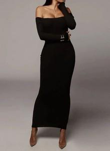 Czarna sukienka Arilook z długim rękawem hiszpanka z dresówki