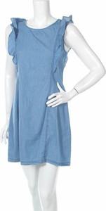 Niebieska sukienka Qed London mini z okrągłym dekoltem rozkloszowana