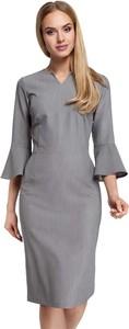 Sukienka MOE z długim rękawem dopasowana midi
