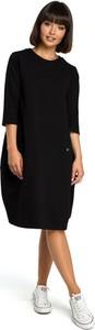 Czarna sukienka Merg z długim rękawem z okrągłym dekoltem w stylu casual