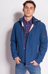 Niebieska kurtka Lee Cooper w młodzieżowym stylu krótka