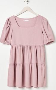 Sukienka Sinsay mini oversize z krótkim rękawem
