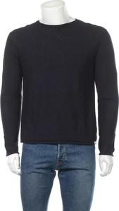 Sweter Guess z okrągłym dekoltem w stylu casual