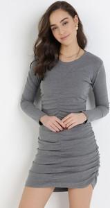 Sukienka born2be z okrągłym dekoltem dopasowana mini