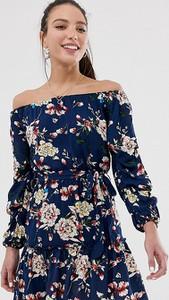 Granatowa sukienka Parisian Tall z odkrytymi ramionami z długim rękawem