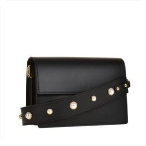 Genuine leather śliczna czarna mała torebka listonoszka z szerokim paskiem z