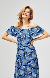 Sukienka Moodo midi z odkrytymi ramionami z krótkim rękawem