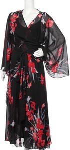 Czarna sukienka City Chic prosta