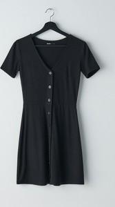 Czarna sukienka Cropp mini z krótkim rękawem