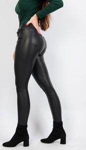 Czarne spodnie Olika w rockowym stylu