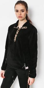 Czarna bluza Femi Stories krótka w młodzieżowym stylu