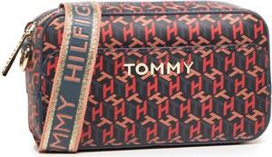 Torebka Tommy Hilfiger średnia na ramię w młodzieżowym stylu