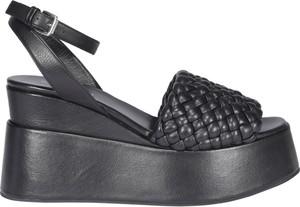 Czarne sandały Elena Iachi na koturnie