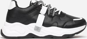 Sneakersy Multu sznurowane