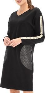 Czarna sukienka Eye For Fashion z tkaniny