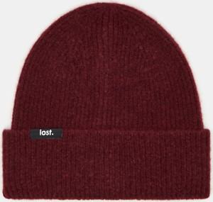 Fioletowa czapka Sinsay