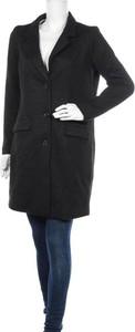 Czarny płaszcz JACQUELINE DE YONG w stylu casual