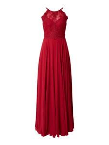 Czerwona sukienka Luxuar z dekoltem w kształcie litery v z satyny