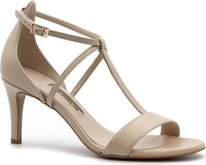 Sandały Neścior w stylu klasycznym z klamrami