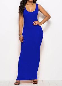 Niebieska sukienka Sandbella maxi dopasowana na ramiączkach