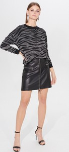 Czarna spódnica Mohito w rockowym stylu