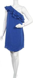 Niebieska sukienka APT.9 bez rękawów prosta