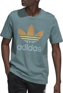 Zielony t-shirt Adidas z krótkim rękawem w sportowym stylu z bawełny