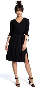 Sukienka Be z dekoltem w kształcie litery v w stylu casual