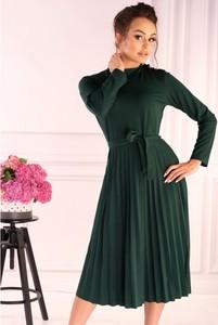 Sukienka MERRIBEL z długim rękawem midi z okrągłym dekoltem