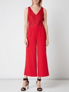 Czerwony kombinezon Vera Mont z długimi nogawkami w stylu glamour