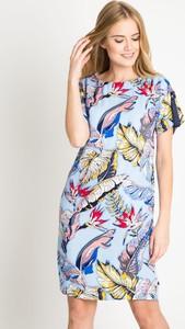 Sukienka QUIOSQUE prosta w stylu casual