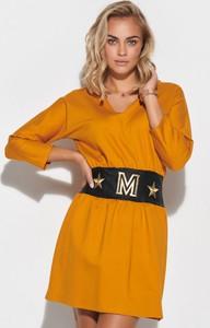 Żółta sukienka Makadamia z dekoltem w kształcie litery v w stylu casual
