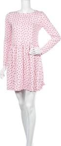 Różowa sukienka Daisy Street z okrągłym dekoltem w stylu casual