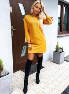 Żółta sukienka Pakuten z okrągłym dekoltem trapezowa mini
