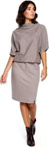 Sukienka Merg z długim rękawem prosta midi