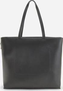 Czarna torebka Reserved na ramię matowa duża