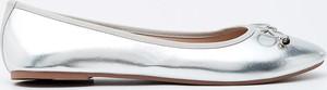 Srebrne baleriny Sinsay w stylu casual z płaską podeszwą