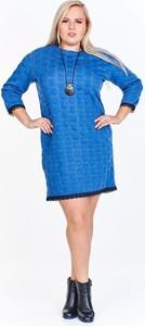 Niebieska sukienka Fokus z długim rękawem z okrągłym dekoltem z jeansu