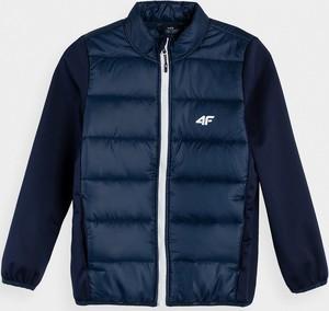 Granatowa kurtka dziecięca 4F dla chłopców z tkaniny
