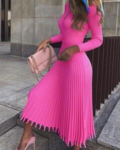 Różowa sukienka Kendallme maxi z długim rękawem