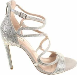 Złote sandały Carvela