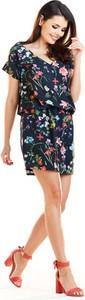 Sukienka Awama w stylu casual z krótkim rękawem